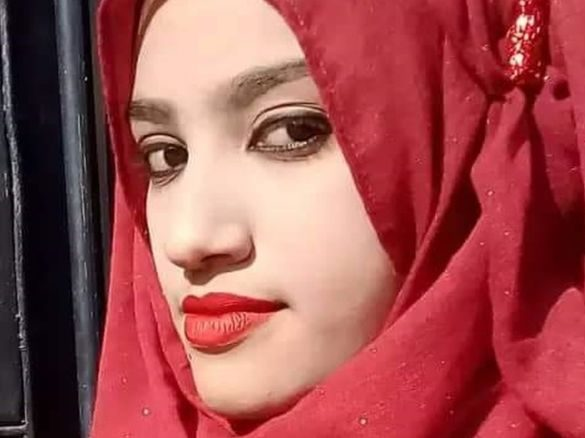 Nusrat Jahan Rafi was doused with kerosene and set on fire at her school in Bangladesh. Less than two weeks earlier, she had filed a sexual harassment complaint against her headmaster.